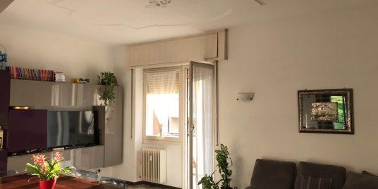 Appartamento trilocale con vista in vendita nel quartiere  Como Sole