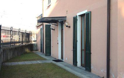 Villa bifamiliare a Grandate