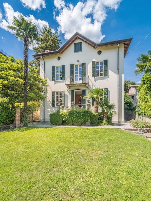 Splendida villa singola con vista lago e giardino in vendita a Cernobbio