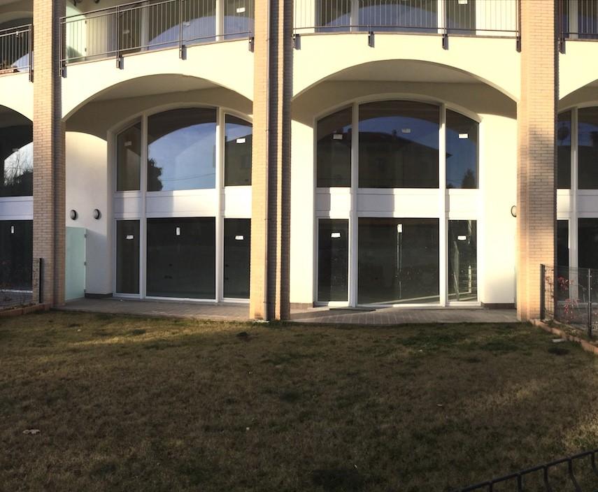 Appartamento duplex con giardino privato in vendita a fino for Piani duplex con garage in mezzo