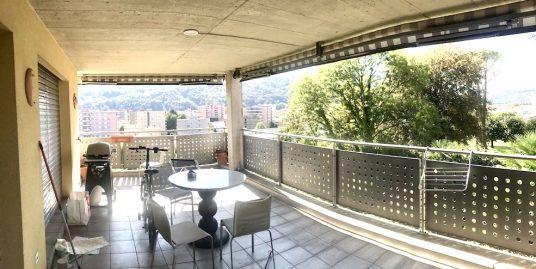 Appartamento con Terrazzo in Vendita a Vacallo