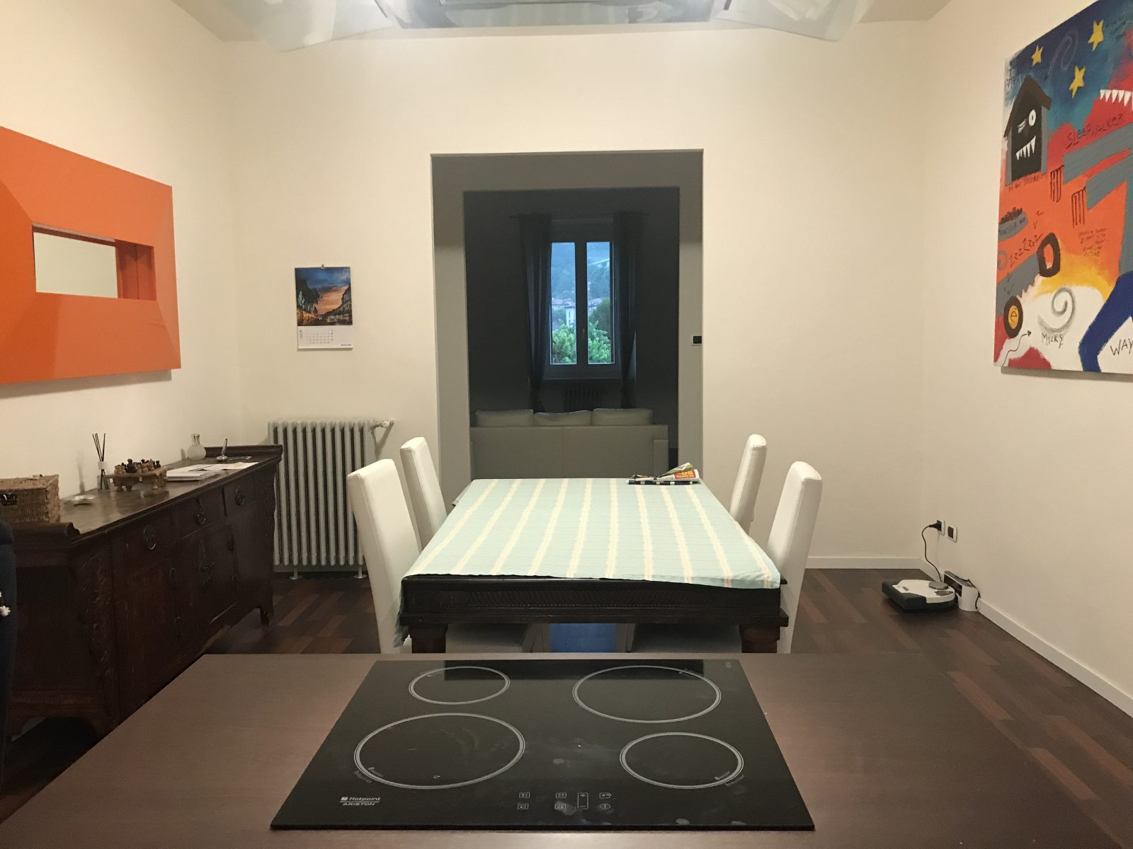 Ampio appartamento ristrutturato in vendita a Como – Ponte Chiasso