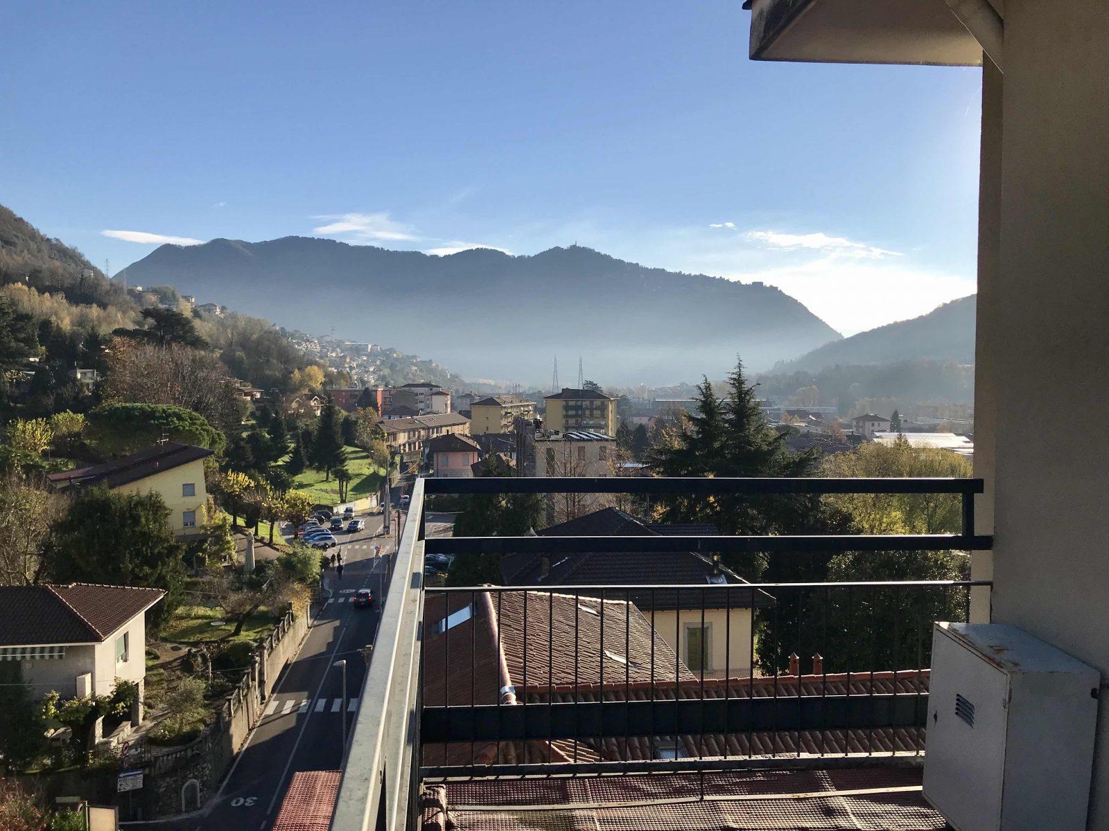 Attico con terrazzo panoramico in vendita a Maslianico