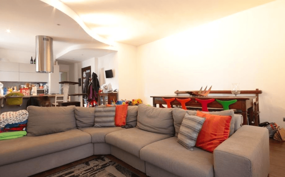 Appartamento trilocale con terrazzo panoramico a Ponte Chiasso