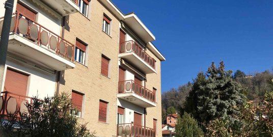 Ampio appartamento bilocale/trilocale con box a Monte Olimpino