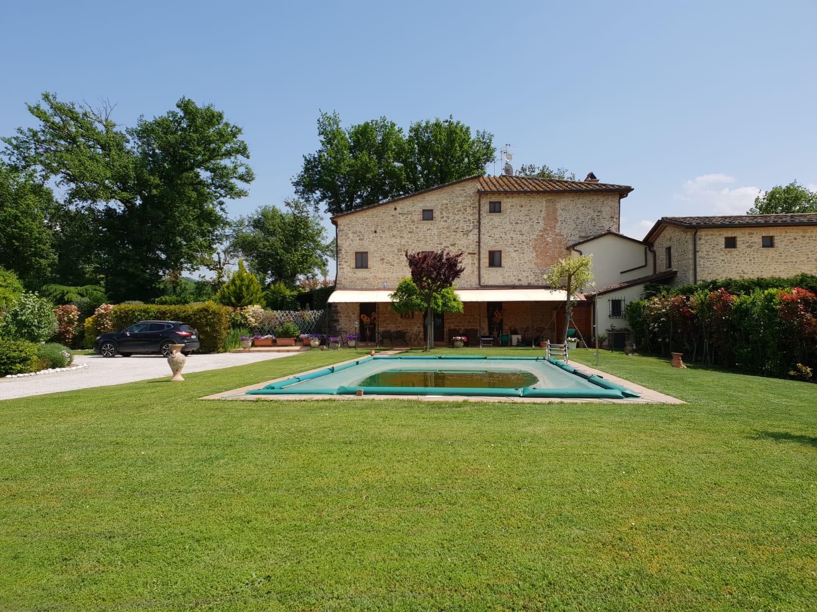 Casale con piscina in vendita, San Giustino