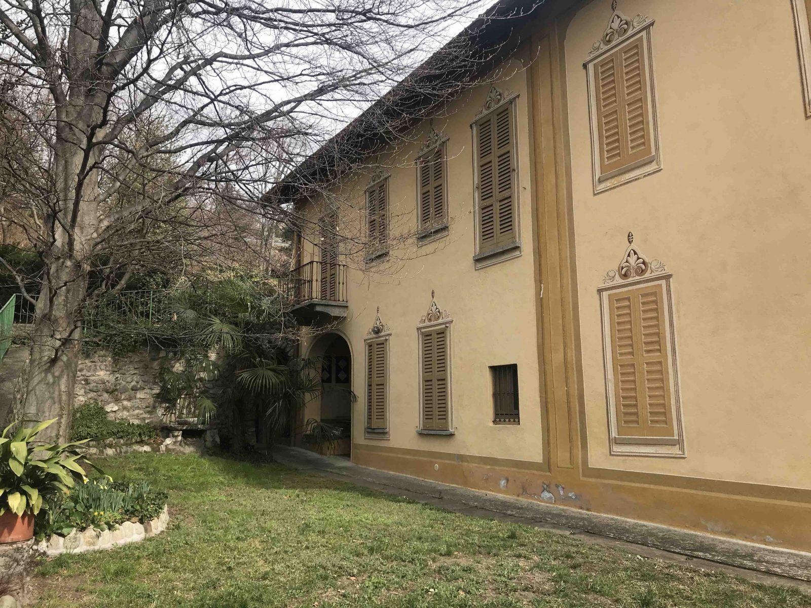 Villa d'epoca con giardino in affitto a San fermo della Battaglia