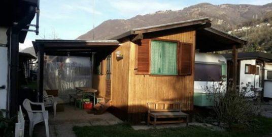 Gera Lario bungalow in un camping internazionale