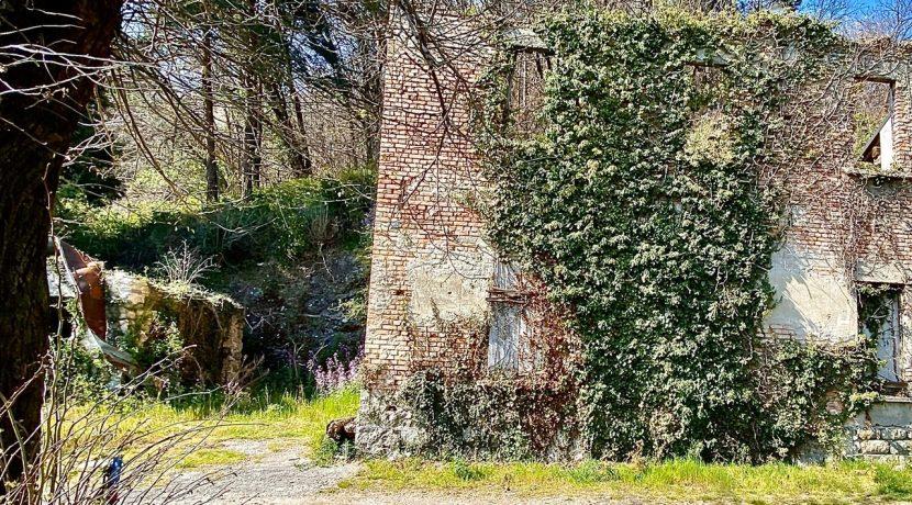 rustico-in-vendita-cavallasca-facciata