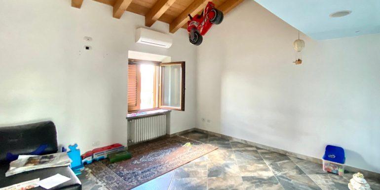 Appartamento quadrilocale a Valmorea di nuova costruzione (29)