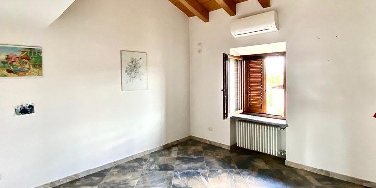 Appartamento quadrilocale a Valmorea di nuova costruzione (30)
