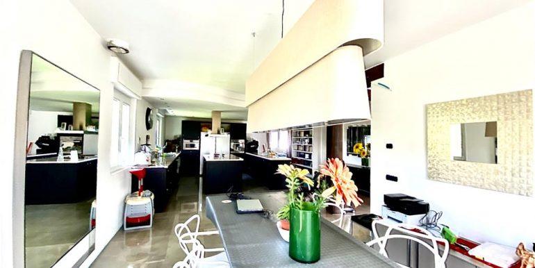 Casa indipendente con giardino - Como Albate (11)