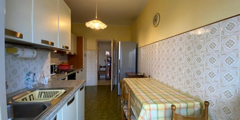 Appartamento Trilocale a Como Breccia con box (12)