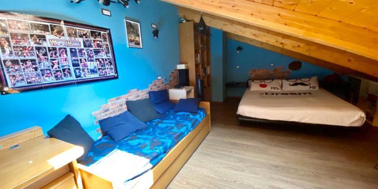 Appartamento quadrilocale a Como Borghi (11)