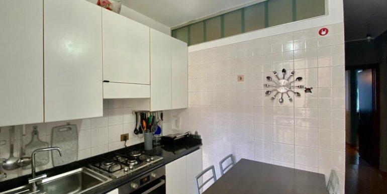 Appartamento quadrilocale a Como Borghi (19)