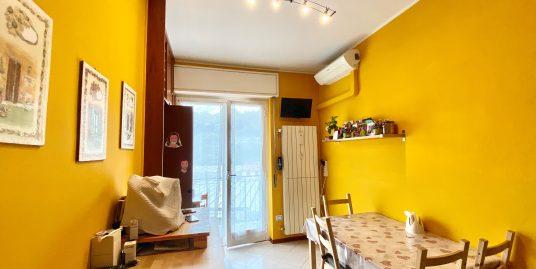 Appartamento trilocale ristrutturato di recente in vendita a Maslianico