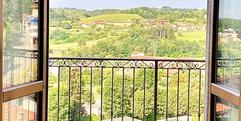 bilocale-san-fermo-balcone