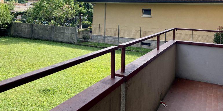 trilocale-albate-balcone-2