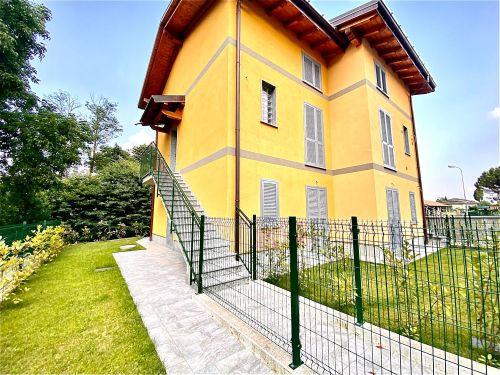 villa-singola-brenna-esterno-1
