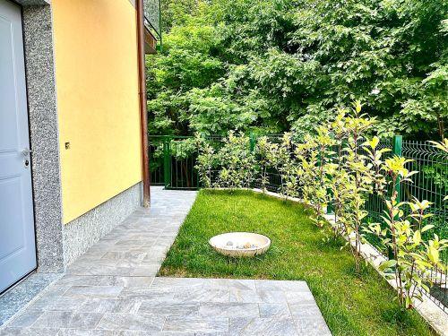villa-singola-brenna-giardino-2