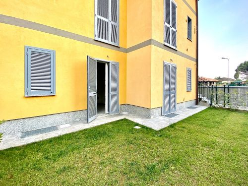 villa-singola-brenna-giardino3