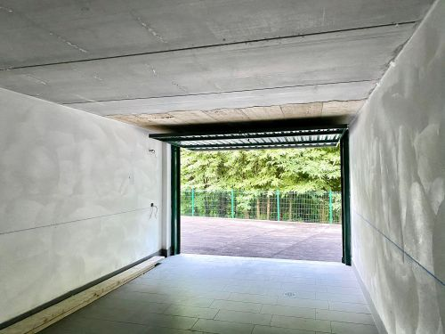 villa-singola-brenna-garage-2