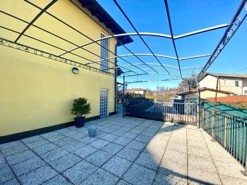villa-uggiate-esterno-5