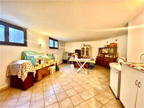 villa-uggiate-soggiorno-2