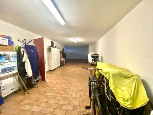 villa-uggiate-garage-3