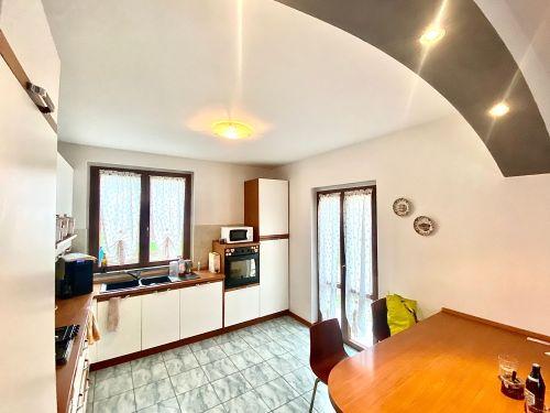 villa-singola-Lambro-cucina-2