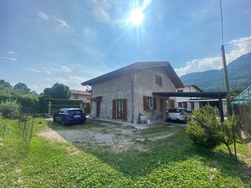 villa-singola-Lambro-esterno-1