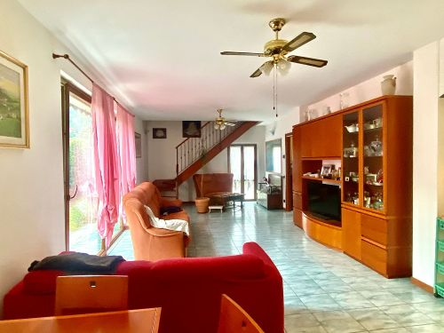 villa-singola-Lambro-soggiorno-5