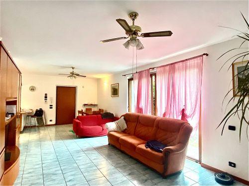 villa-singola-Lambro-soggiorno-4