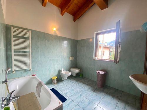 villa-singola-Lambro-bagno