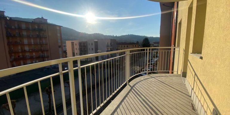 Quadrilocale-Cernobbio-balcone