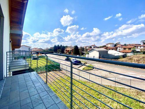 nuova-villa-appiano-gentile-balcone