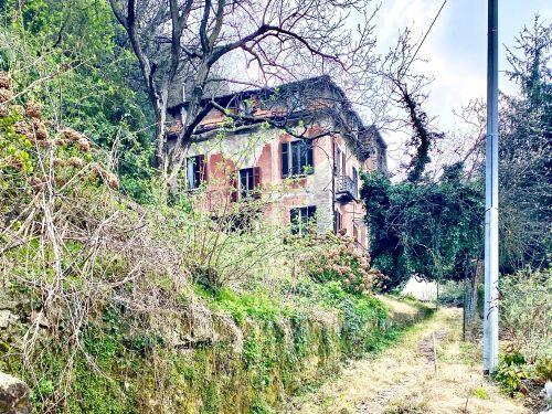 casa da ristrutturare a Como via Pasubio