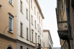 Bilocale storico in vendita vicino piazza duomo, Como