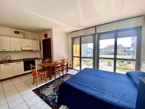 appartamento-monolocale-ad-albate- 6