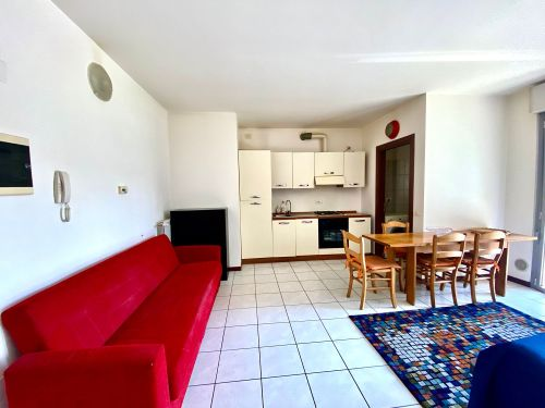 appartamento-monolocale-ad-albate- 12