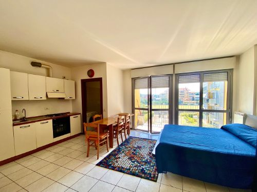 appartamento-monolocale-ad-albate- 9