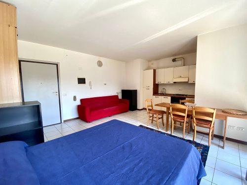 appartamento-monolocale-ad-albate- 10