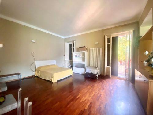 vendesi appartamento a Faggeto lario in villa storica- 5