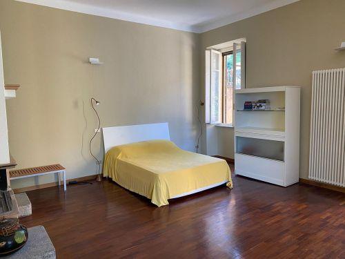 vendesi appartamento a Faggeto lario in villa storica- 13