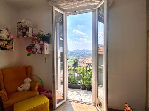 vendesi-appartamento-trilocale-a-maslianico-vista-panoramica-14