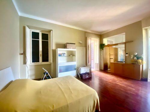 vendesi appartamento a Faggeto lario in villa storica- 6