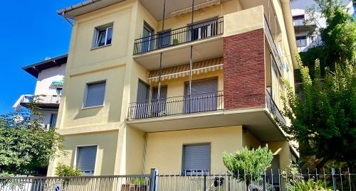 Vendesi Appartamento trilocale a Como con vista panoramica