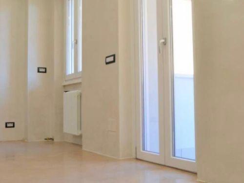 appartamento trilocale ristrutturato a Como Rebbio - 5