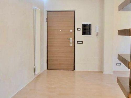 appartamento trilocale ristrutturato a Como Rebbio - 3
